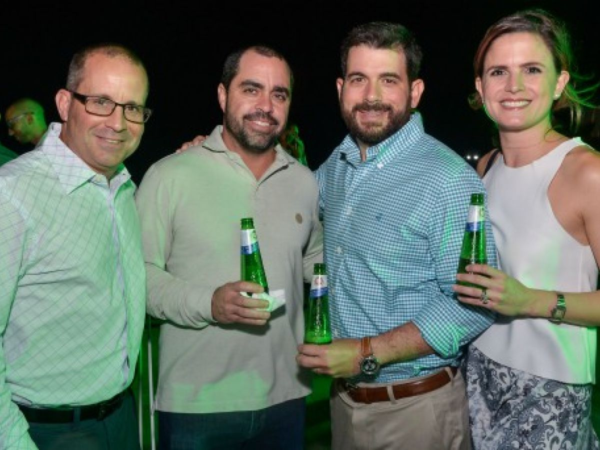 Celebran el lanzamiento de la nueva botella de Peroni