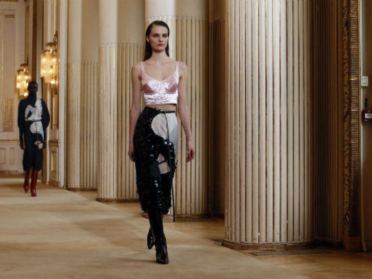 La variedad de tonos se impone en la semana de la moda de París
