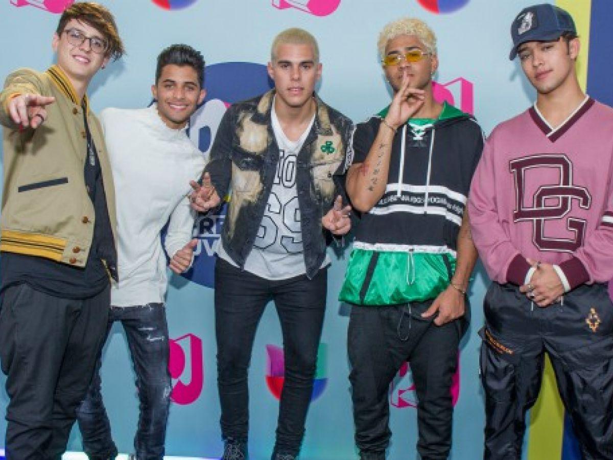 Estilos informales dominan la alfombra azul de Premios Juventud 2018