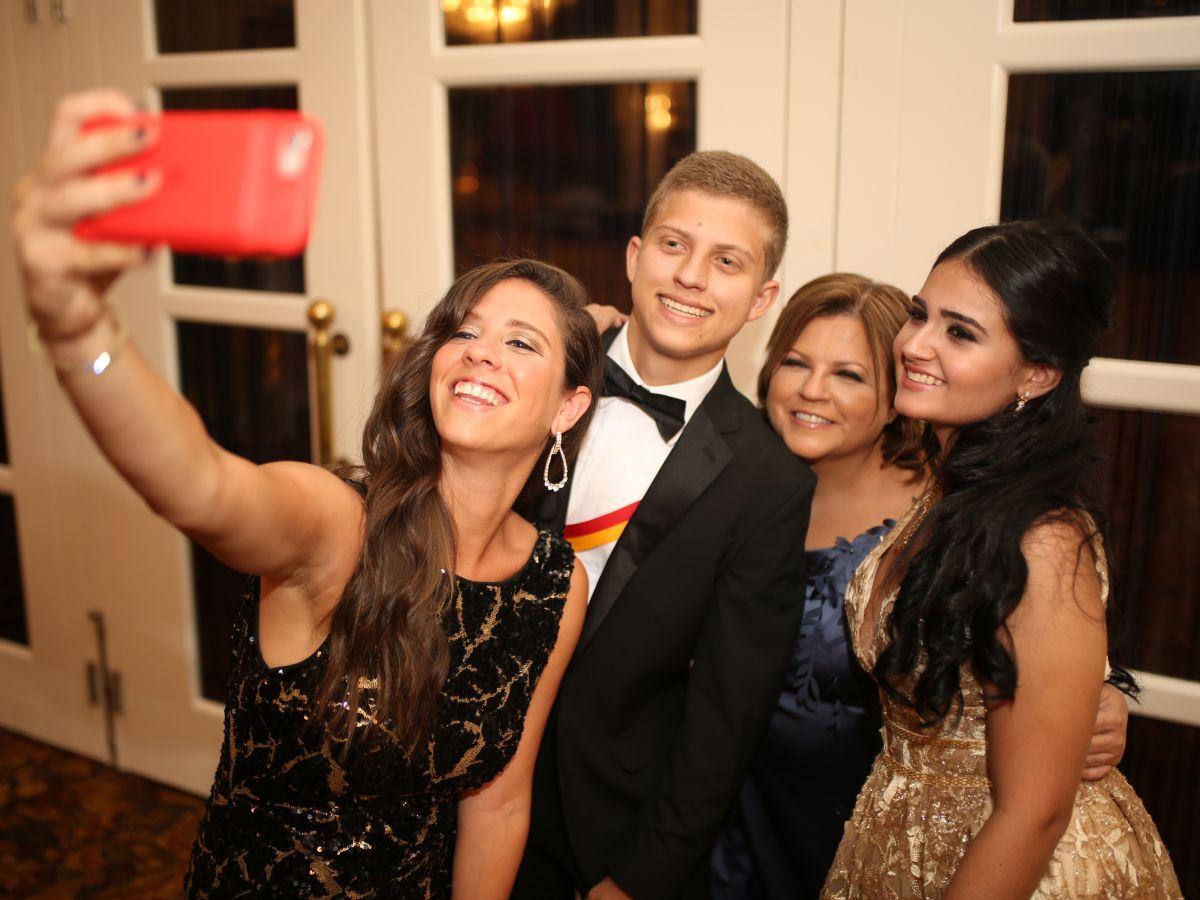 Noche de Prom: Colegio San José