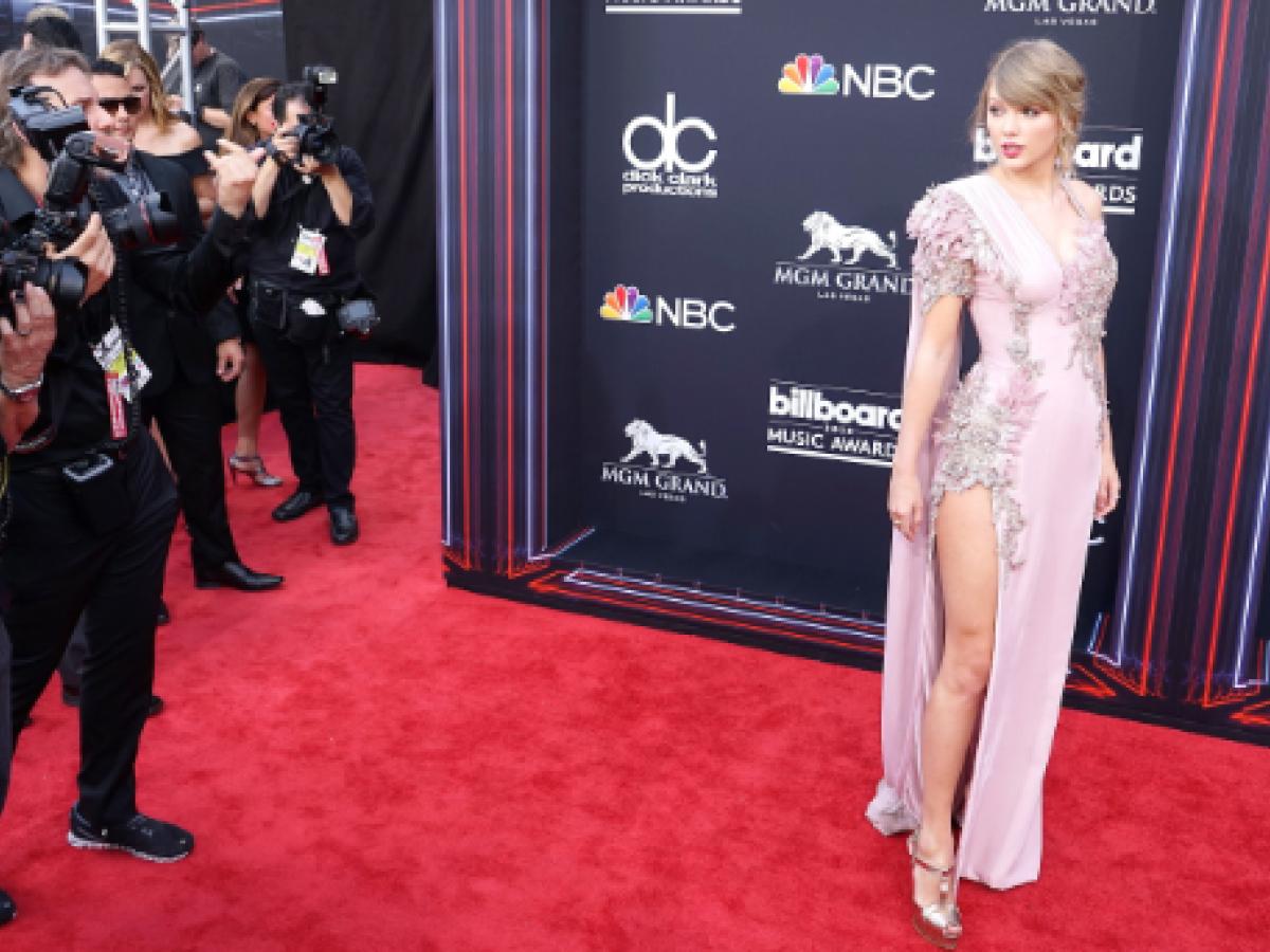 Brillan los famosos en la alfombra roja de los Premios Billboard 2018