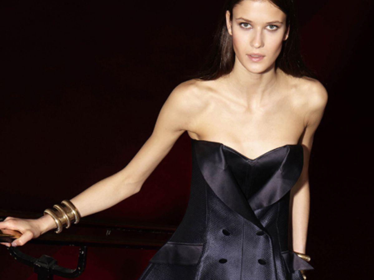 ¿Sales esta noche? Aquí tienes vestidos negros para inspirarte