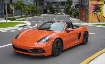 Experiencia sofisticada a bordo de tres modelos Porsche