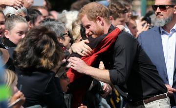 El príncipe Harry se despide en maorí de Nueva Zelanda