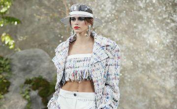 Karl Lagerfeld reinventa el Chanel más pop en el corazón de la jungla