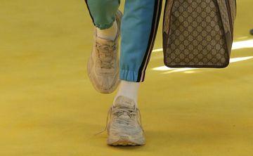Las zapatillas sucias están de moda, según Gucci