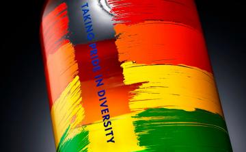 Absolut lanza nueva botella edición especial en apoyo a la comunidad LGBTTQ+