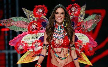 En medio de polémica, se celebró el desfile anual de Victoria's Secret en China