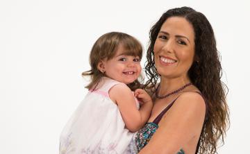 Alfonsina Molinari comparte las ventajas y desventajas de ser madre después de los 40 años