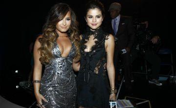 Demi Lovato y Selena Gómez unidas por la amistad y la moda