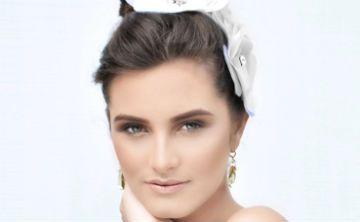 Elaine Moreira lleva sus accesorios al New York Fashion Bridal Week