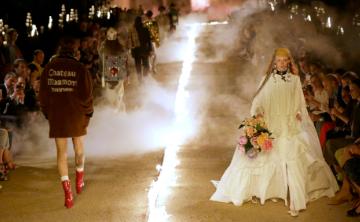 Gucci Cruise 2019: la moda punk, kitsch y católica en la necrópolis romana