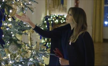 Melania Trump apuesta por el patriotismo para la decoración navideña de Casa Blanca