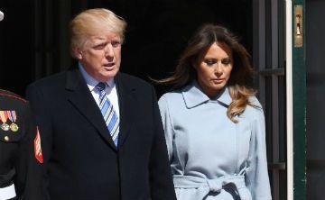 Melania Trump cubre su tristeza con costosa prenda de vestir