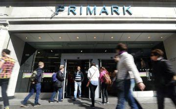 Primark retira miles de chancletas de hombre por peligro de cancerígeno