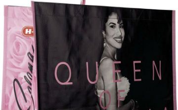 Se agotan bolsas de compras reutilizables con la imagen de Selena Quintanilla