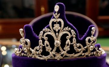 ¿Usará Meghan Markle una tiara real en su boda?