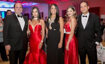Banquete de rojo la Gala de la Asociación de Industriales