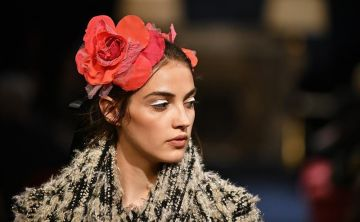 Los accesorios se apoderan del desfile de Chanel en Japón