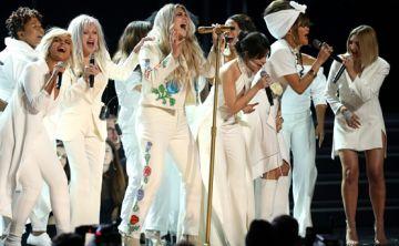 El blanco dijo presente en los Grammy