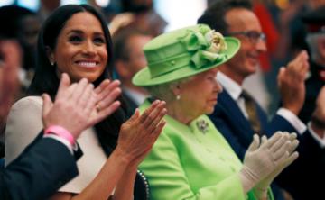 Primera visita oficial de Meghan junto a la reina Elizabeth II