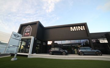 House of MINI celebra la apertura de un moderno concesionario