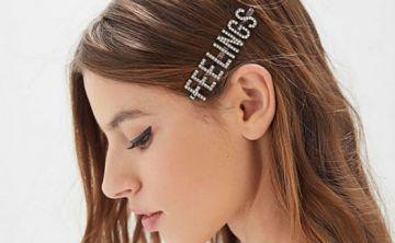 Se imponen los peinados con hebillas visibles