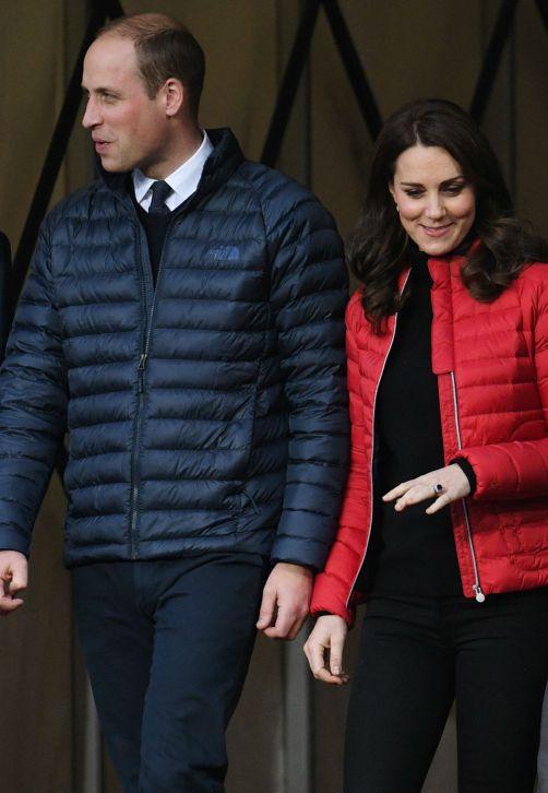 Los duques de Cambridge, William y Kate, asistieron al evento Coach Core en el estadio del Aston Villa, el Villa Park, en Birmingham, Reino Unido. El evento solidario fue organizado para jóvenes entrenadores deportivos en el estadio del club de fútbol Aston Villa. (EFE/FACUNDO ARRIZABALAGA)