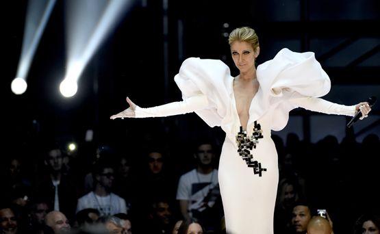 Brilla la moda en los premios Billboard