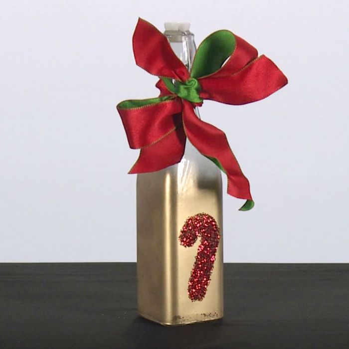 ¿Vas a regalar coquito el Día de Reyes? Te enseñamos a decorar la botella