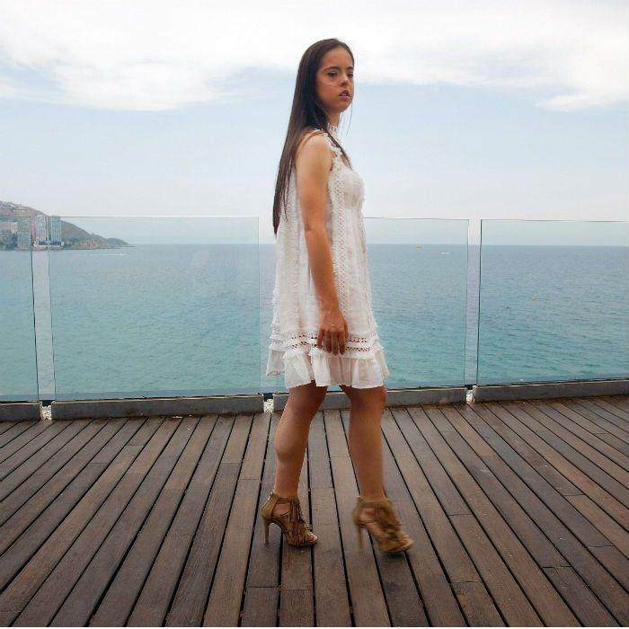 Una joven hispana con síndrome de down cumple su sueño de modelar en el New York Fashion Week