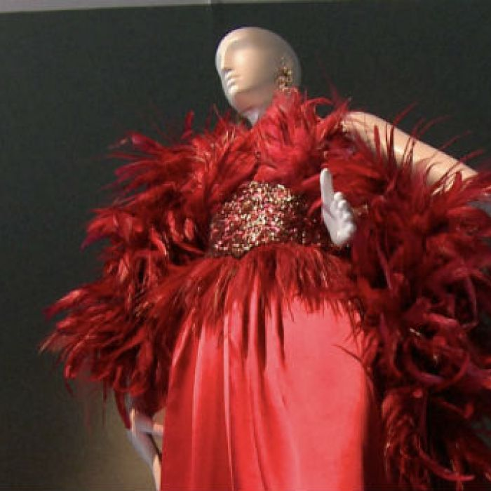 Celebran en Calais las obras del creador de Givenchy