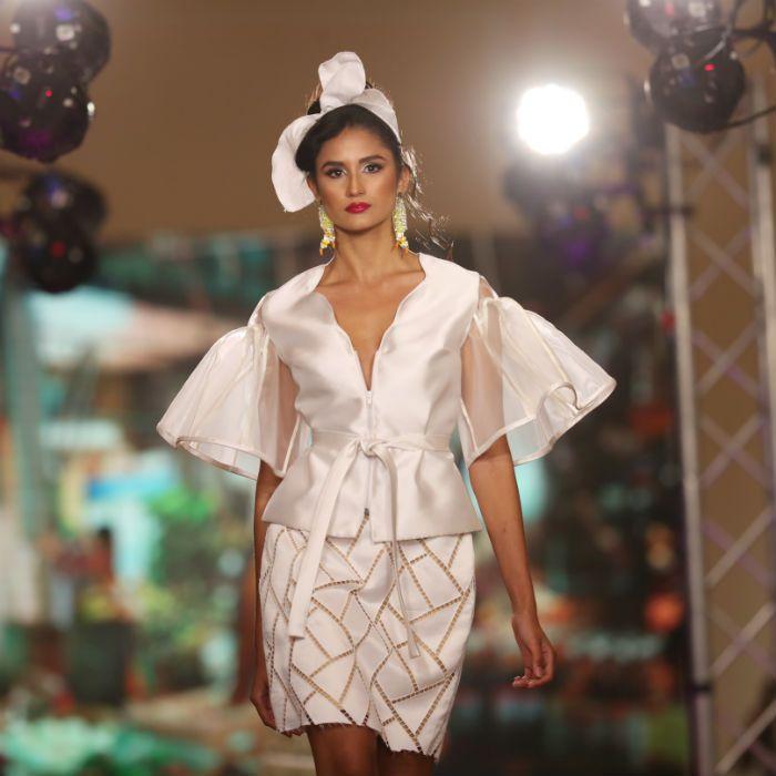 Jaer Cabán: desfile lleno de colores y textura
