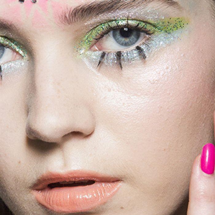 Maquillaje extremo: colores shocking, lentejuelas y dibujos en el rostro