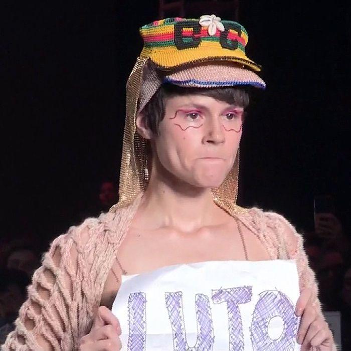 La Semana de la Moda de Sao Paulo termina sin luto por la muerte de un modelo y hay controversia