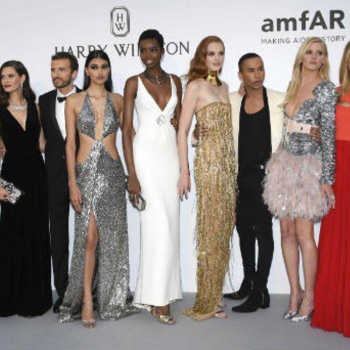 Brillos, escotes y transparencias en la gala de amfAR
