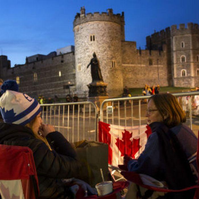 Fans de la realeza ya acampan a la espera de la boda de Harry