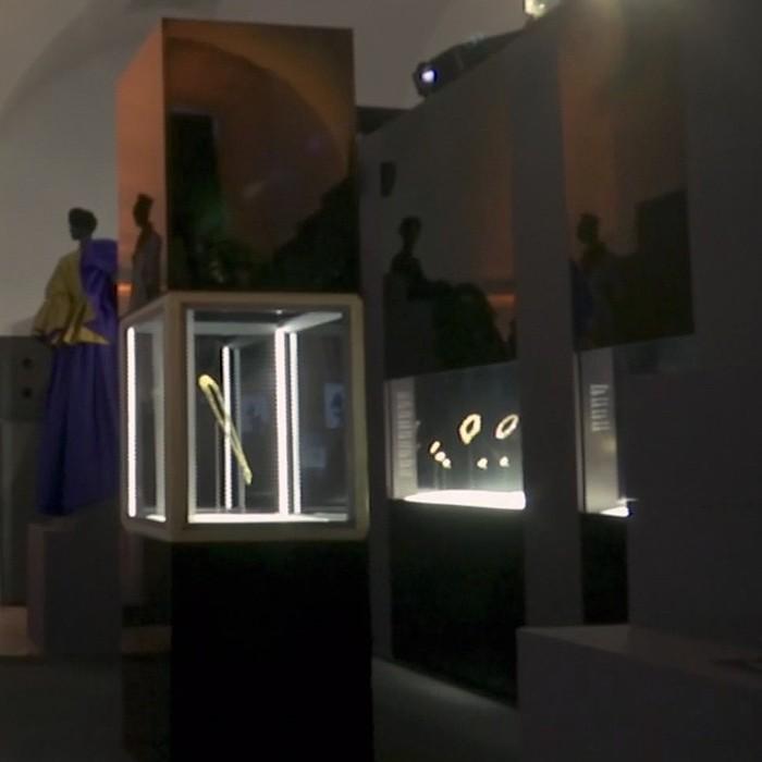 Bulgari expone 135 años de joyas con una oda a La Dolce Vita