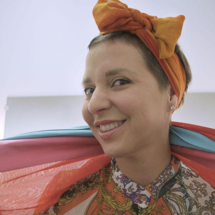 Pregúntale a Tania: cinco looks con pañuelos