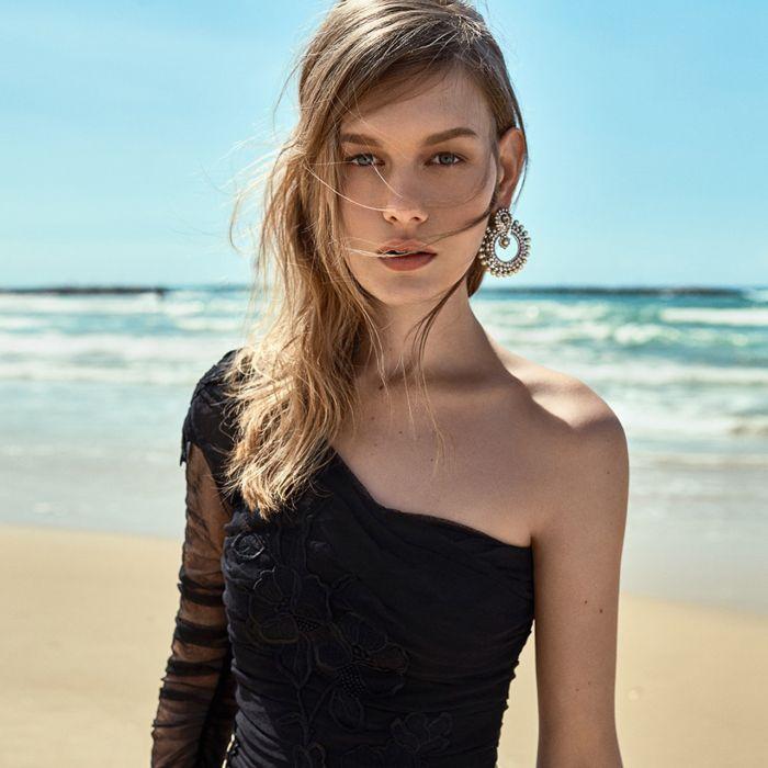 One shoulder: sexy, elegante y de moda