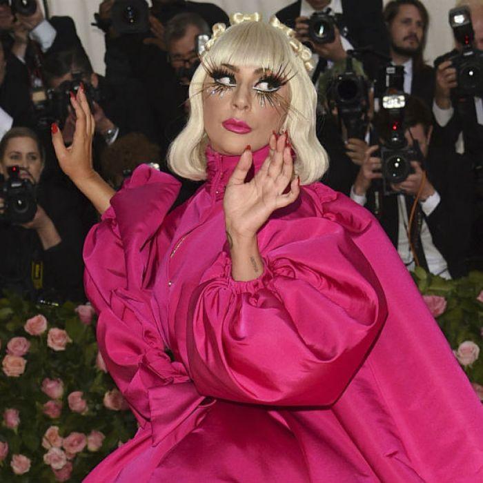 Lady Gaga se roba el show en gala del Met en Nueva York